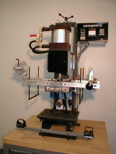 Model VT-25 1.5 ton hot stamping machine